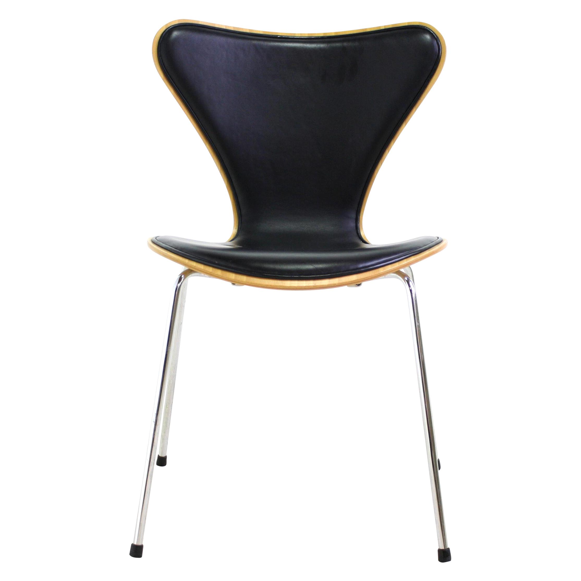arne jacobsen series 7 chair black 4 avail chairish. Black Bedroom Furniture Sets. Home Design Ideas