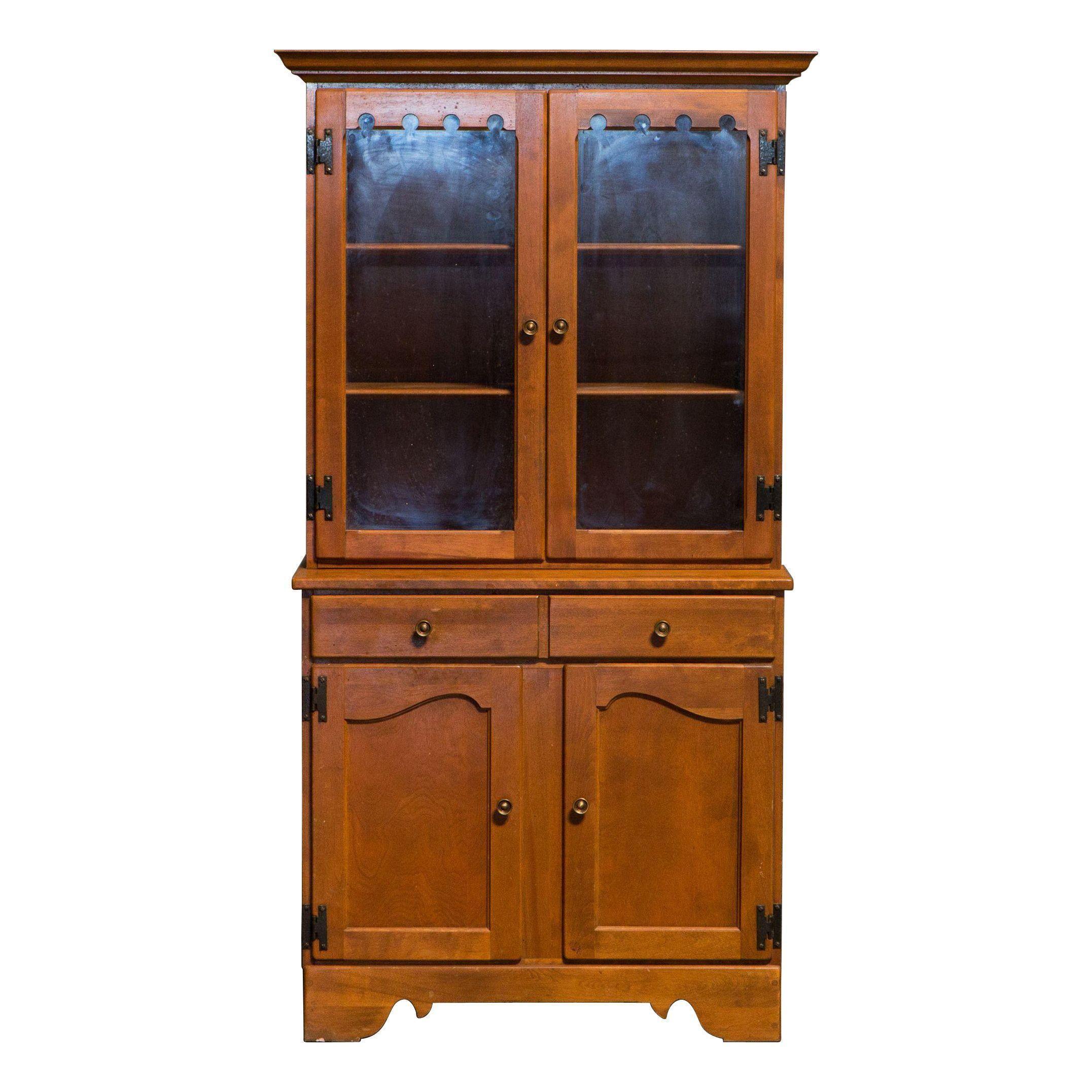 Vintage Ethan Allen China Cabinet / Display Hutch