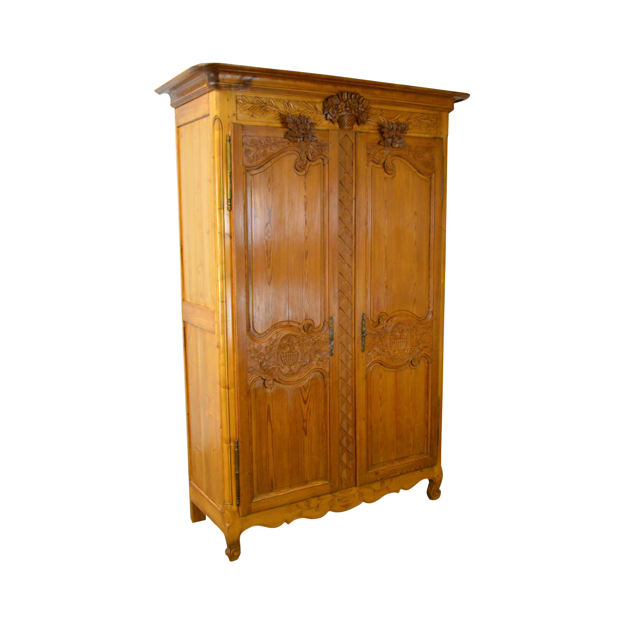 Antique 18th century french louis xv style large armoire for Armoire penderie style japonais