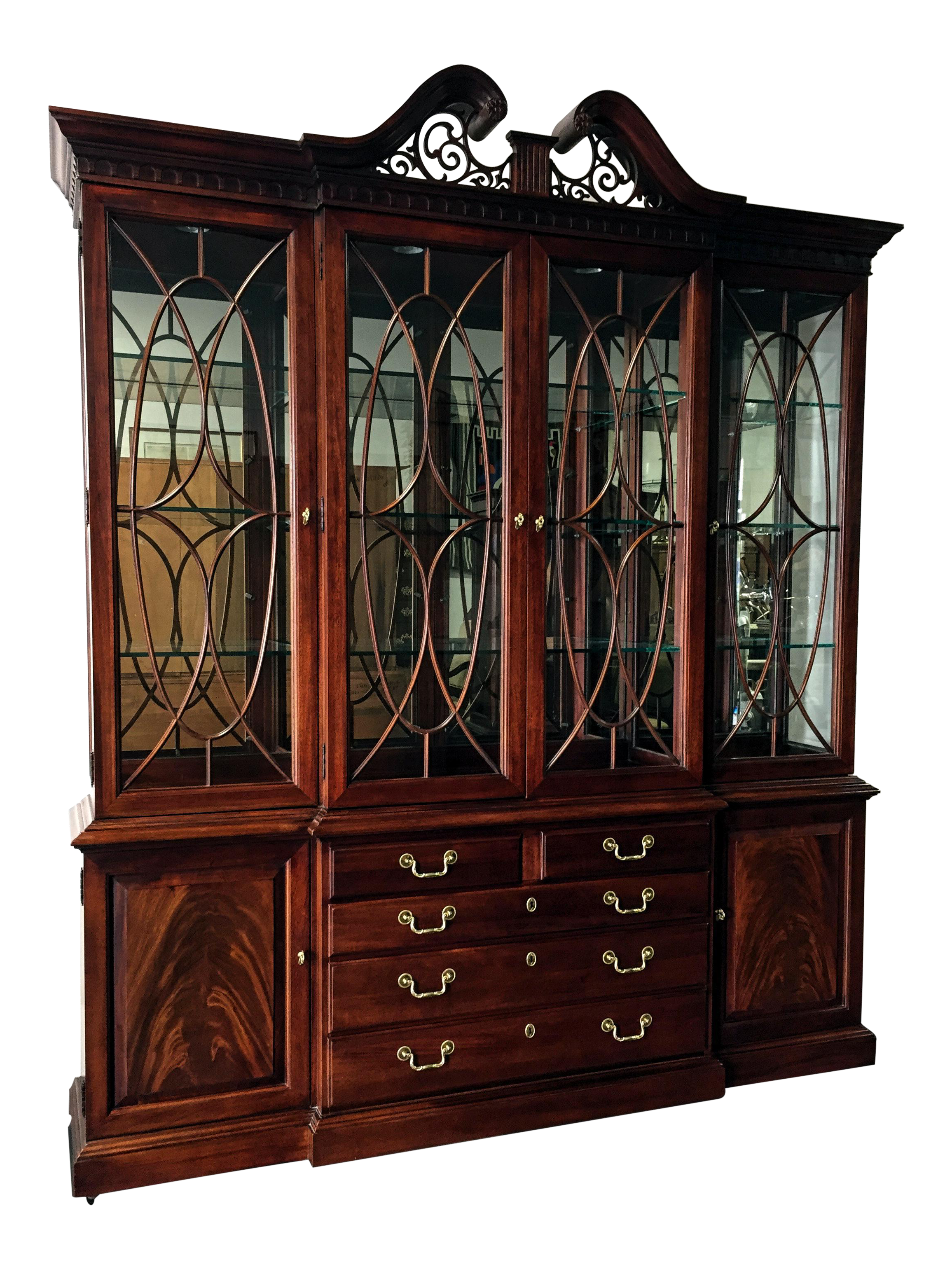 Chippendale China Cabinet Thomasville Flame Mahogany Chippendale Style Lighted Breakfront