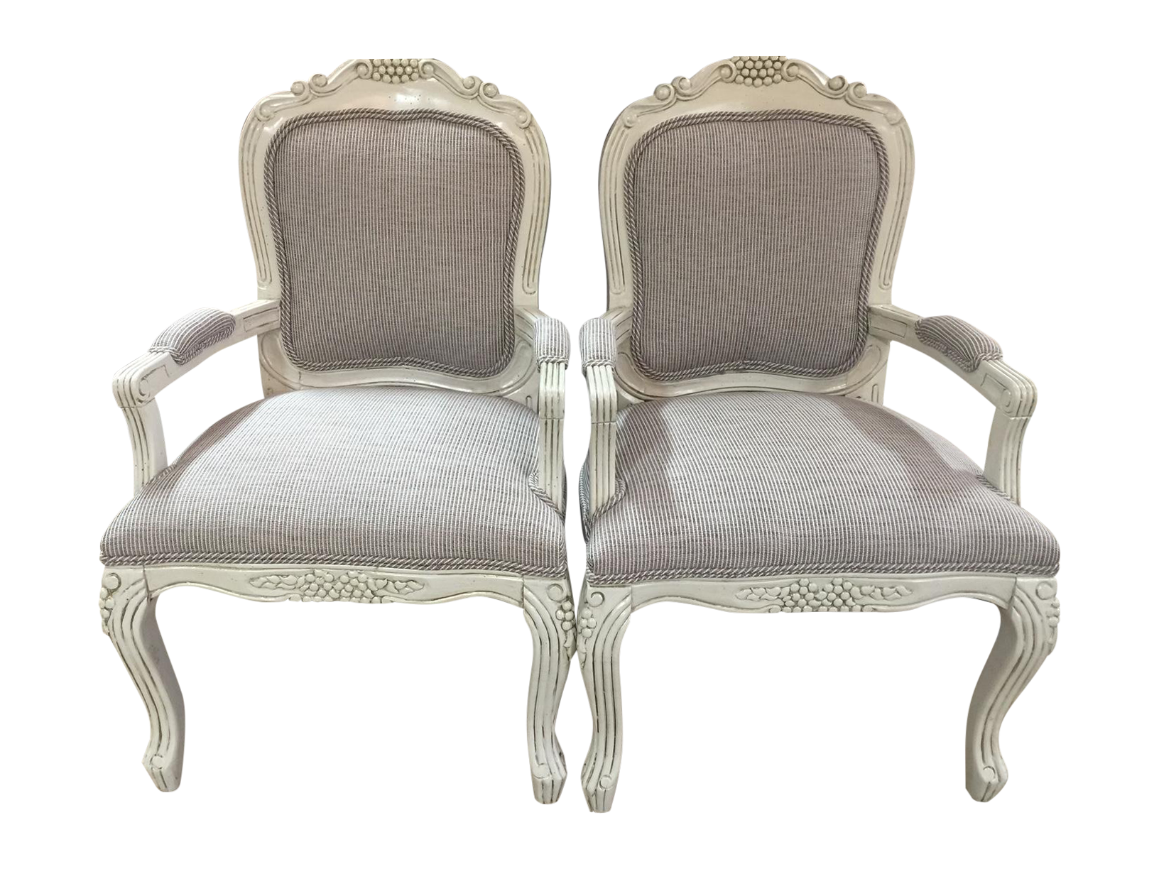 Vintage french country bergere chairs pair chairish for Table bergere