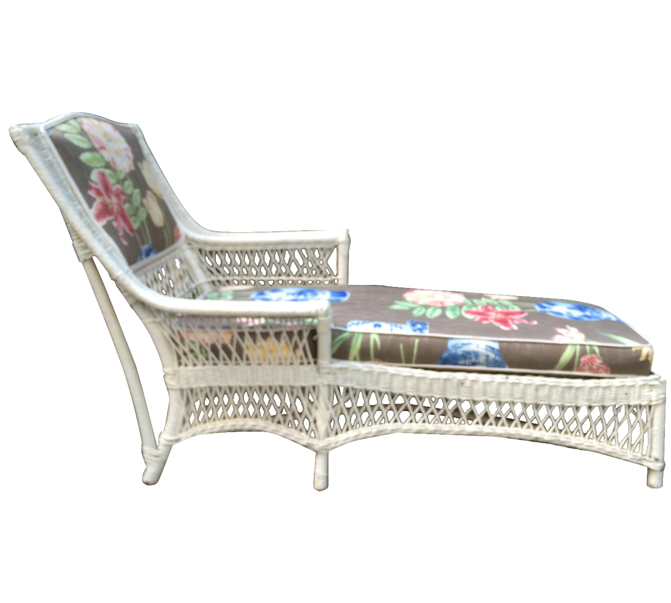 Antique wicker lounge chair - Image Of Antique White Wicker Chaise Lounge