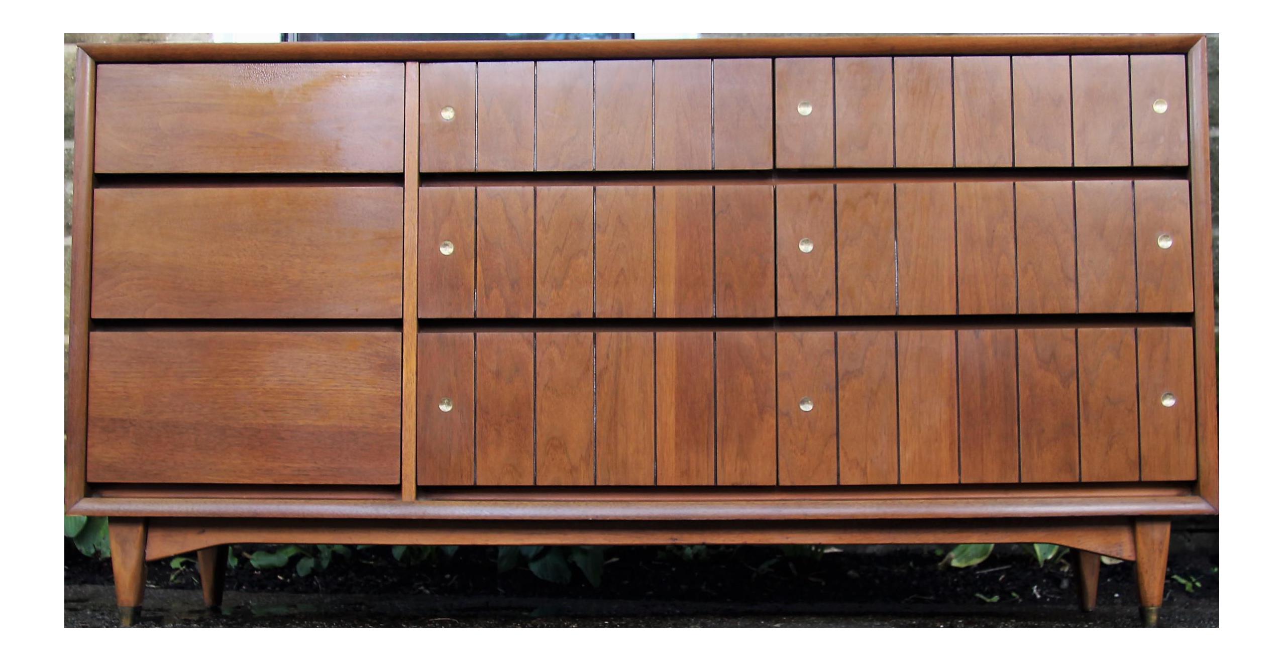 Kroehler Furniture Mid Century Credenza