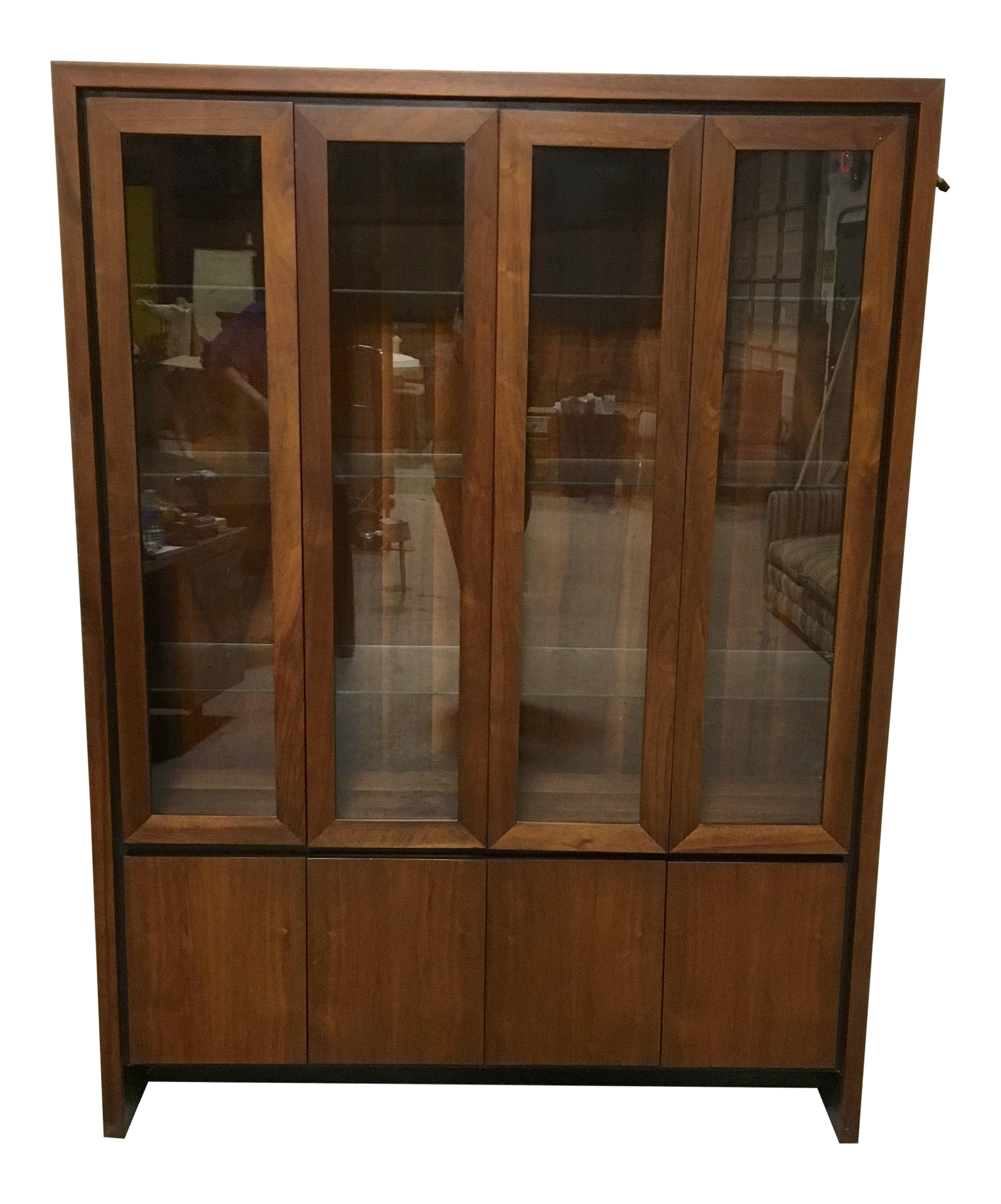 Attractive Maurice Villency Danish Modern China Cabinet