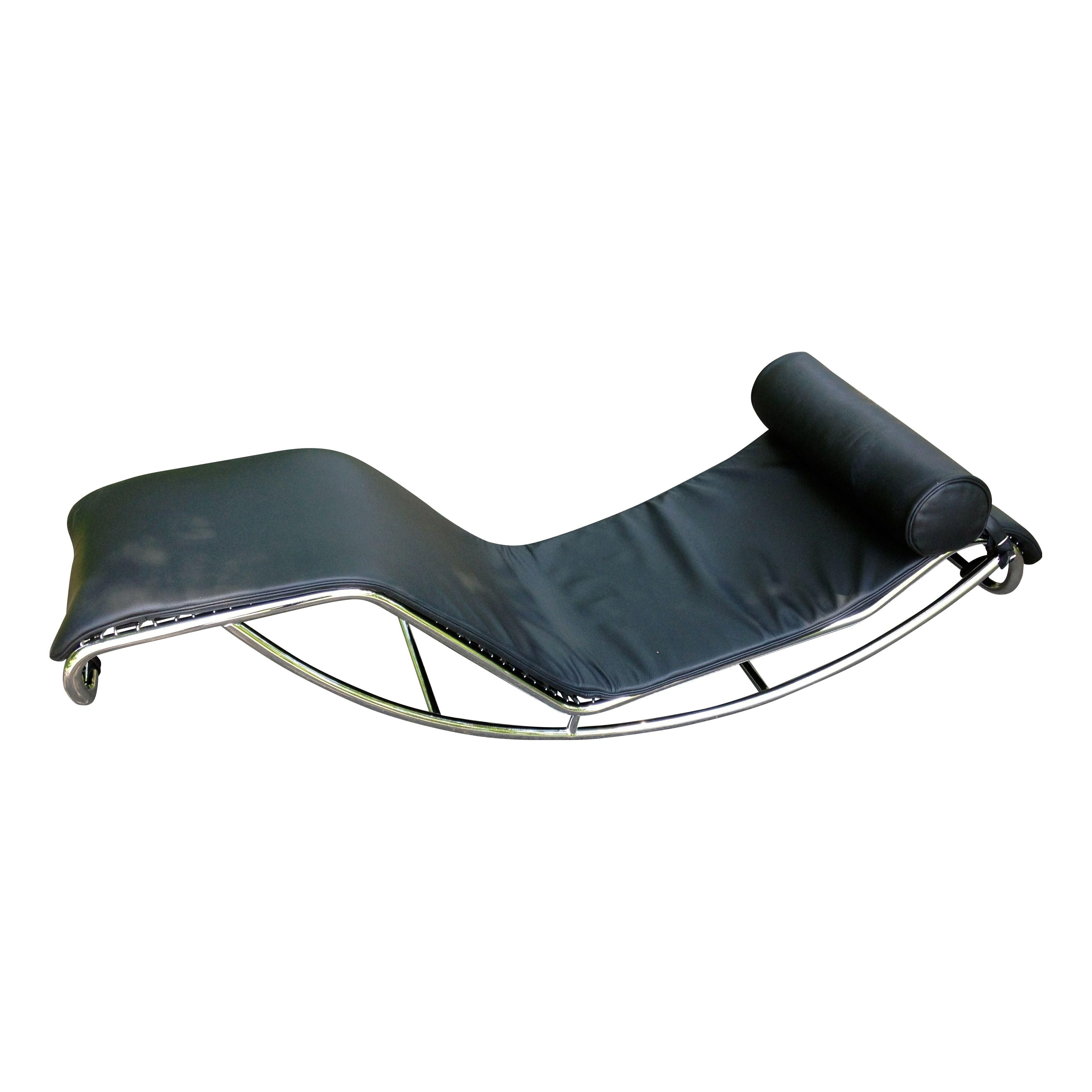 Le corbusier lc4 chaise longue style chair chairish for Chaise longue le corbusier cad