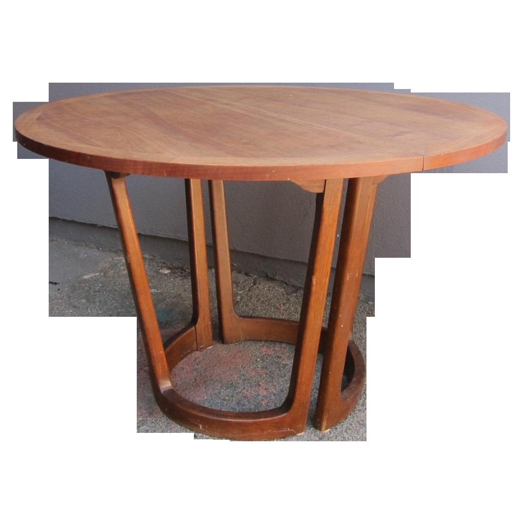 Vintage Lane Dining Table