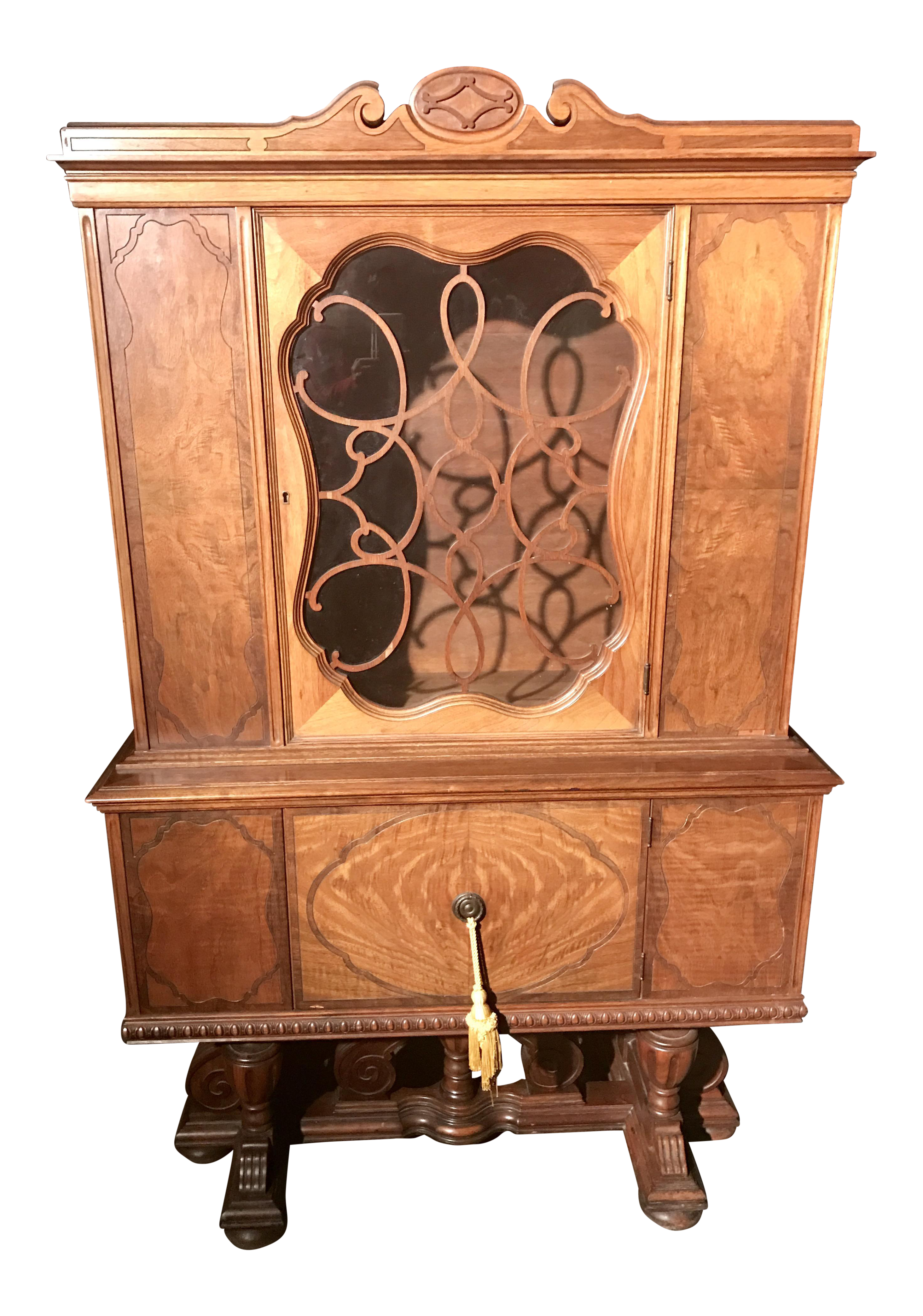 Jacobean Style Rockford Illinois Furniture China Cabinet