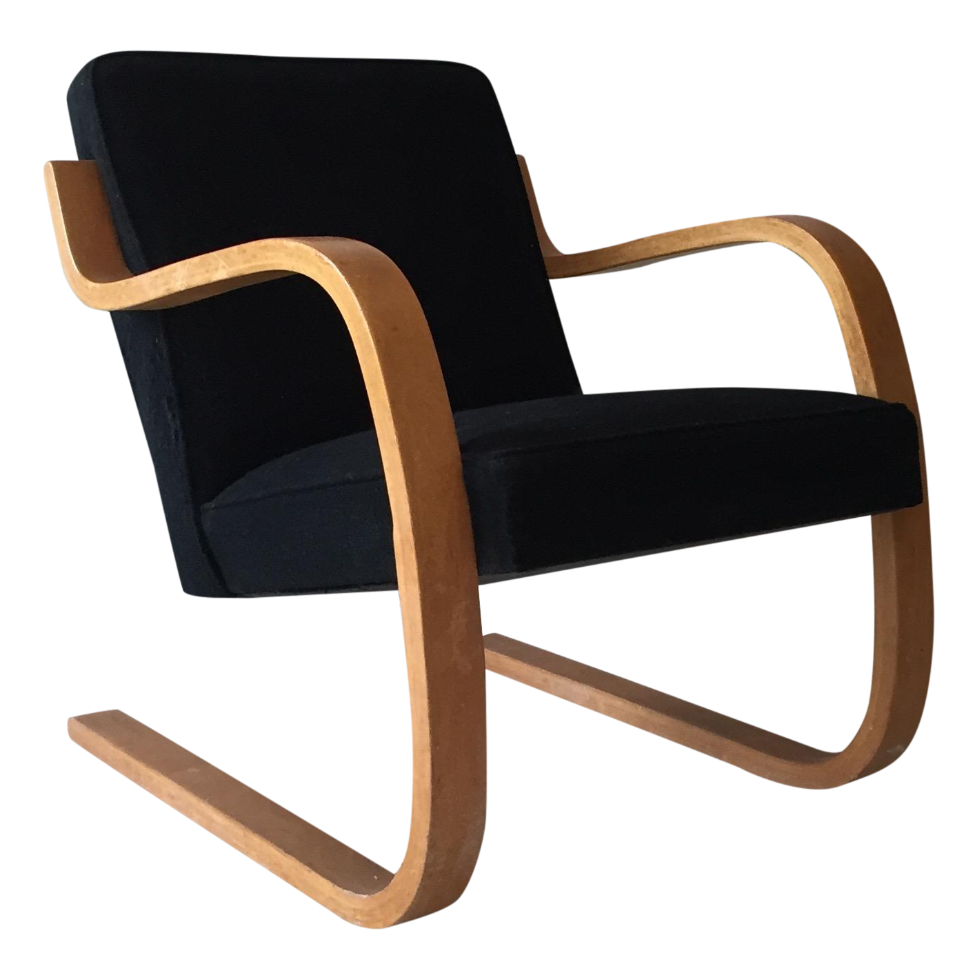 Alvar aalto early model 402 lounge chair chairish for Alvar aalto chaise lounge