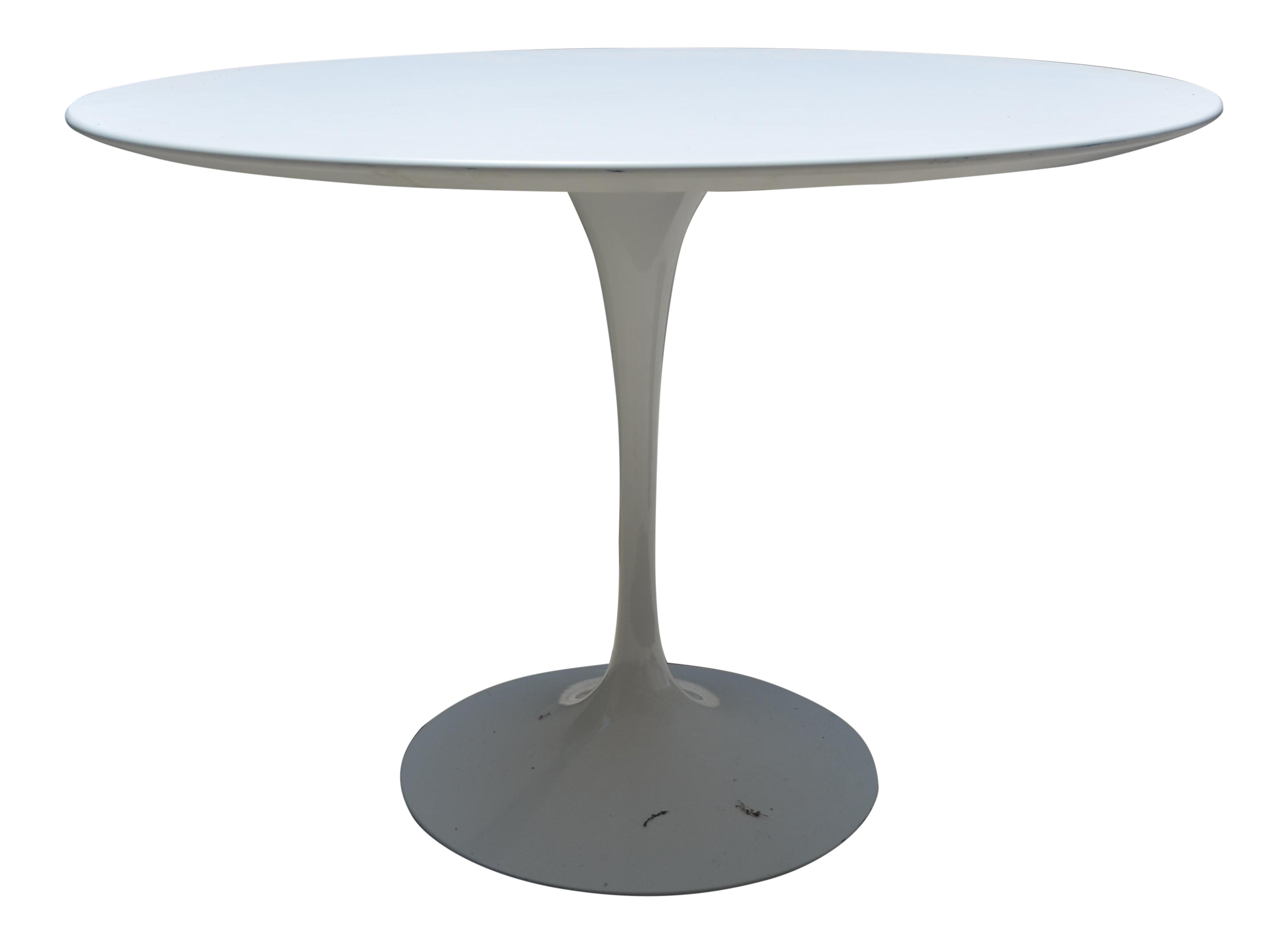 Knoll saarinen round white laminate dining table chairish for Table 6a of gstr 1