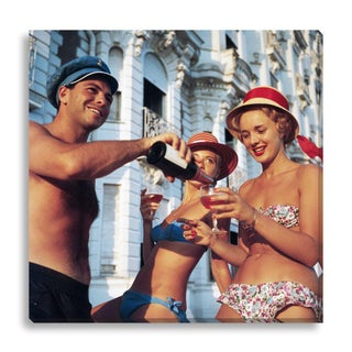 """""""Top Up?"""" Photograph by Slim Aarons"""