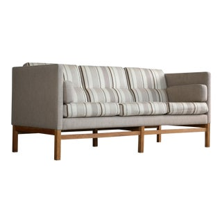 Mid-Century Kaare Klint Style Sofa in Wool and Oak Attributed to Georg Thams