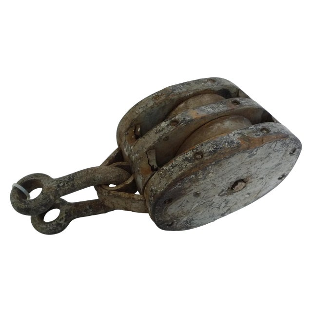 Large Ship Block And Tackle Pulley With Clevis - Image 1 of 3