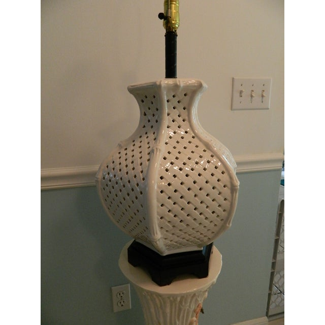 Vintage Nardini Blanc De Chine Pierced Lamp - Image 4 of 7