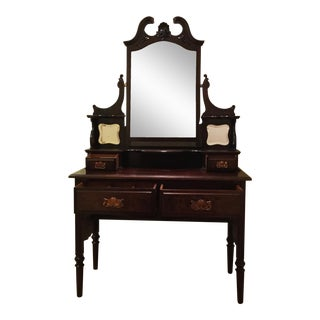 English Traditional Vanity Table