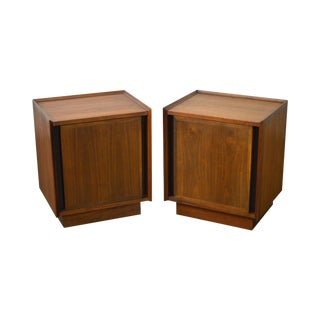Milo Baughman for Dillingham Pair of Mid Century Modern Walnut Nightstands