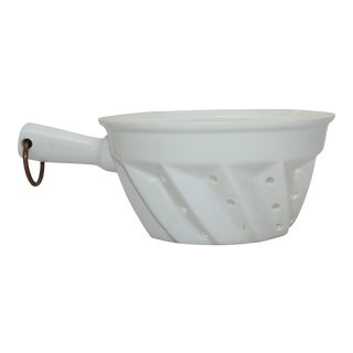 French White Porcelain Berry Colander WithHandle