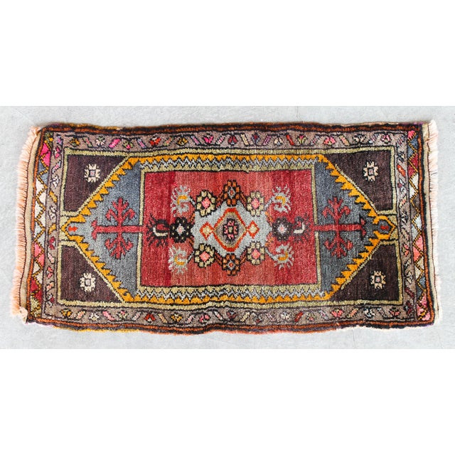 Soft Colorful Turkish Foot Rug - 1′6″ × 2′11″ - Image 2 of 4