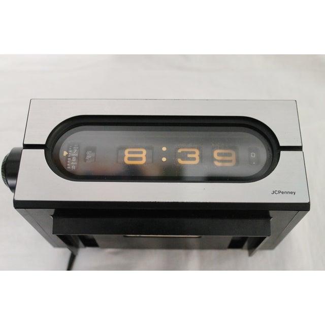 70 39 s jc penny flip number alarm clock chairish. Black Bedroom Furniture Sets. Home Design Ideas