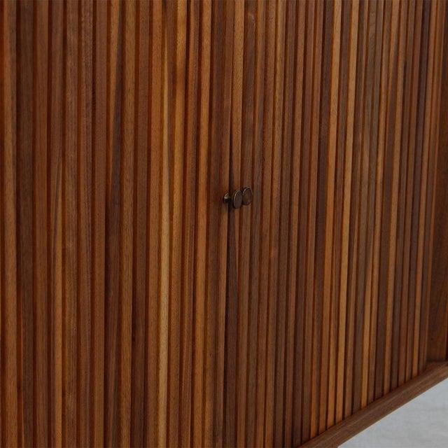 Mid-Century American Modern Walnut Sideboard & Dry Bar - Image 4 of 11