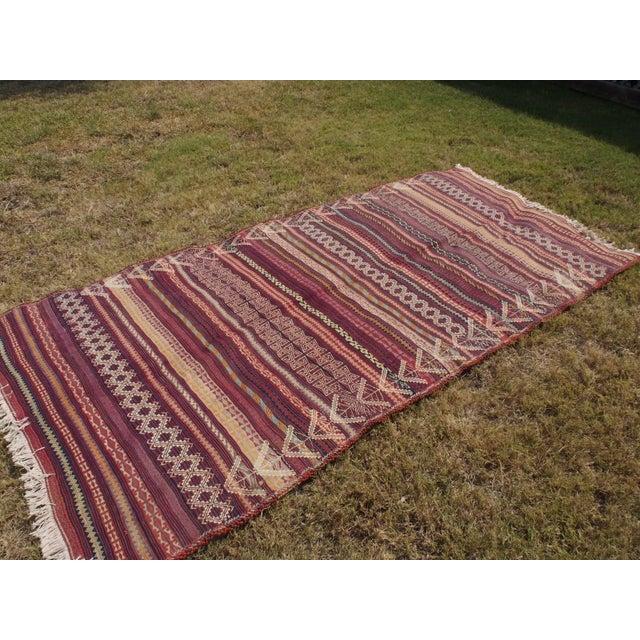 Traditional Handmade Kilim Rug - 4′6″ × 8′1″ - Image 2 of 9