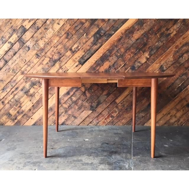 Mid Century Modern Round Walnut Refinished Dining Table Chairish
