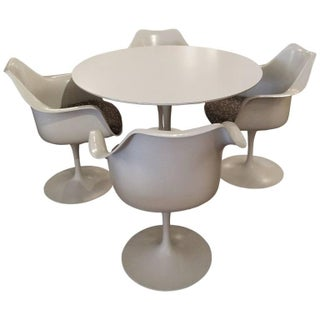 Knoll Saarinen Tulip Armchairs & Dining Table
