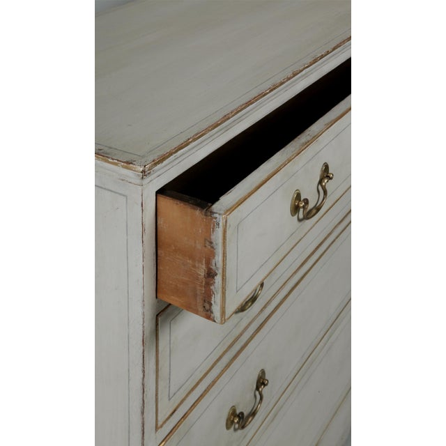 Antique American Country Hepplewhite Painted Chest of Drawers - Image 3 of 7