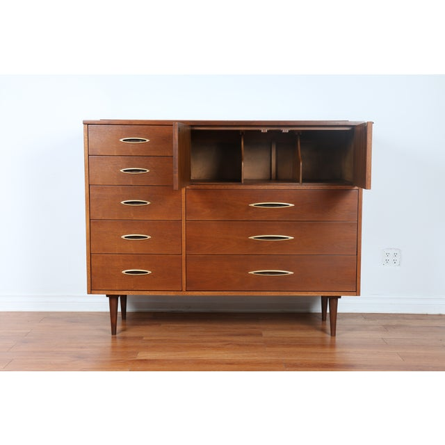 Broyhill's Sculptra Collection Dresser - Image 3 of 10