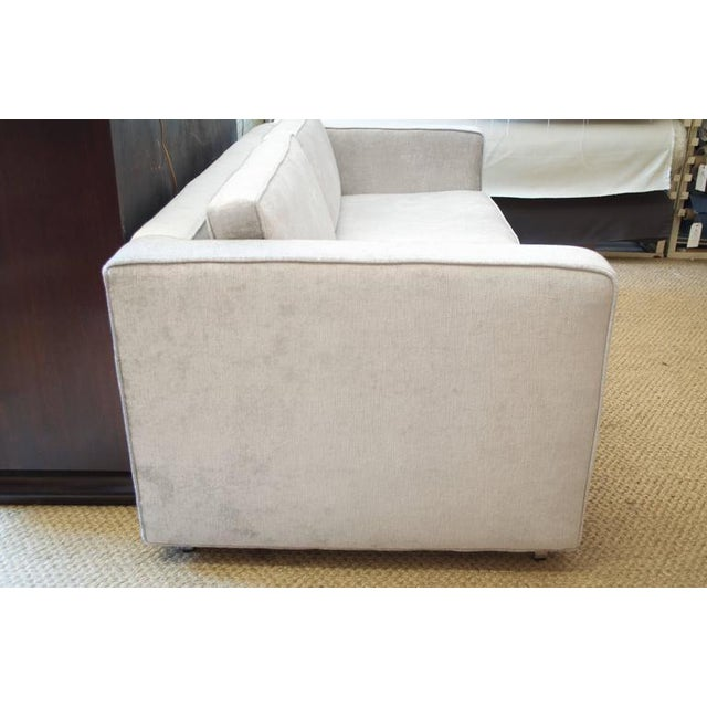 Knoll Love Seat in Distressed Silver Velvet - Image 4 of 5
