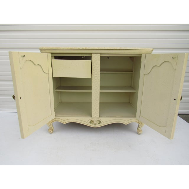 Bassett Mid-Century French Provincial Server - Image 8 of 10