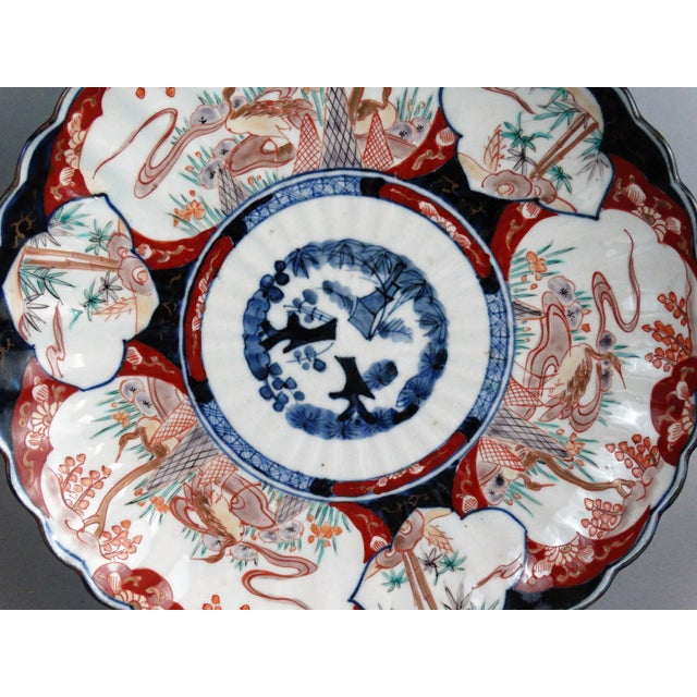 Japanese Porcelain Imari Chargers - A Pair - Image 7 of 9