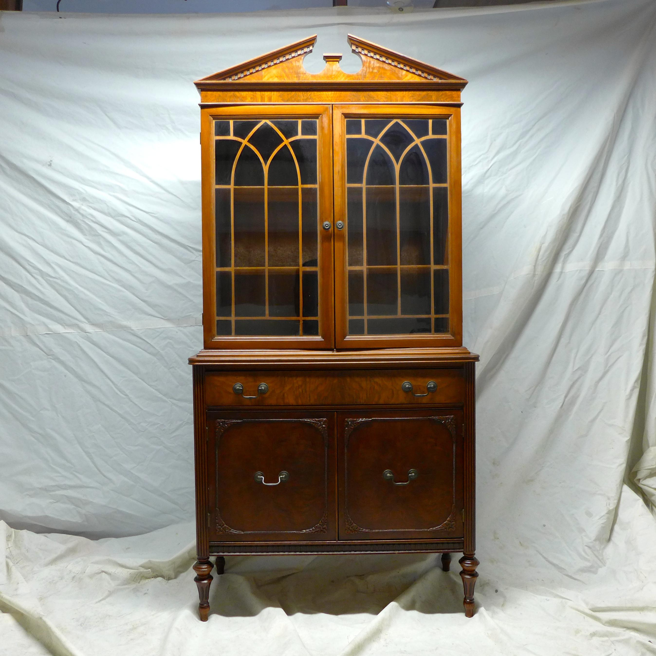 English Style Glass Door Cabinet