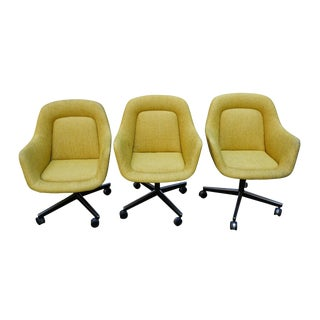 Vintage Knoll Mid-Century Yellow Swivel Office Chairs on Castors - Set of 3