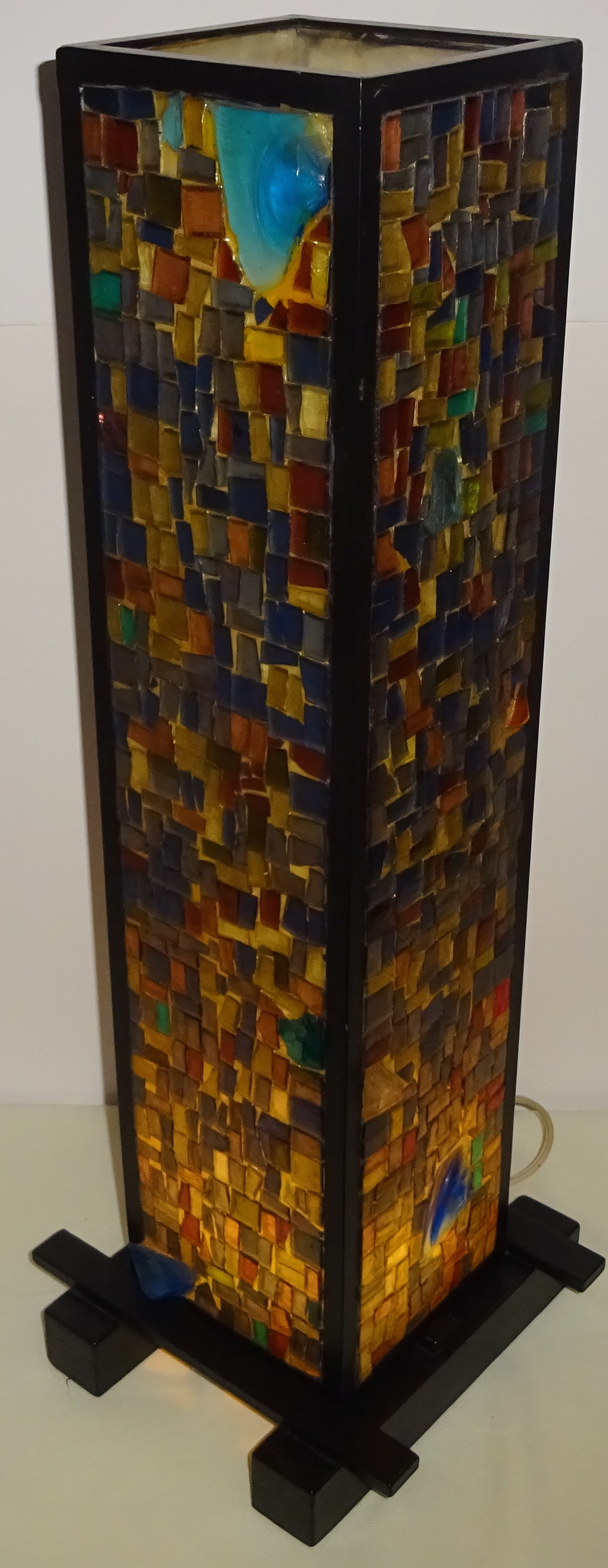 Mid Century 1960s 4 Sided Glass Mosaic Table Lamp   Image 2 Of 10