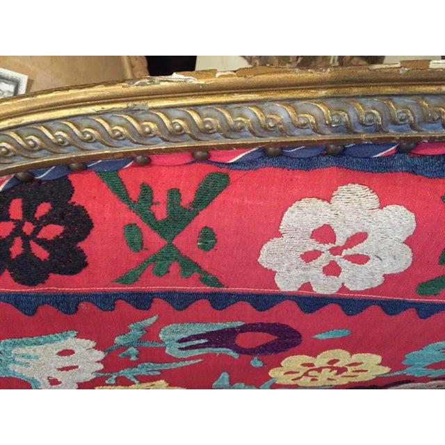 Vintage Suzani Louis XVI Carved Settee - Image 4 of 6