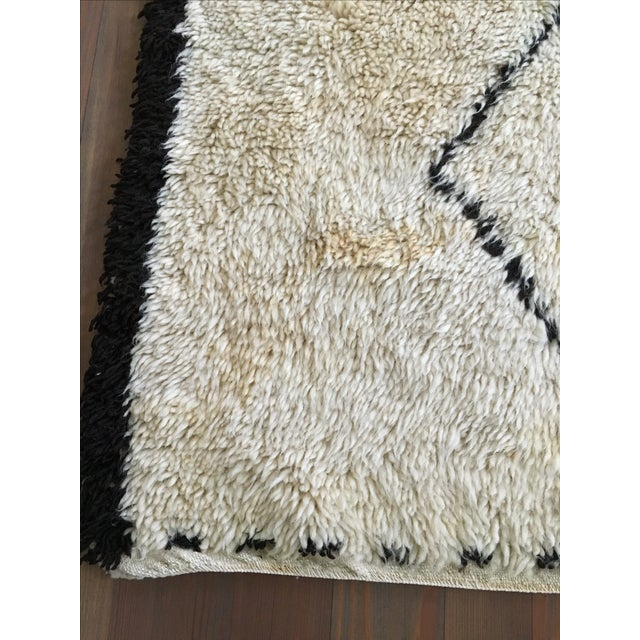 Vintage Moroccan Beni Ourain Rug - 4′4″ × 6′7″ - Image 7 of 8