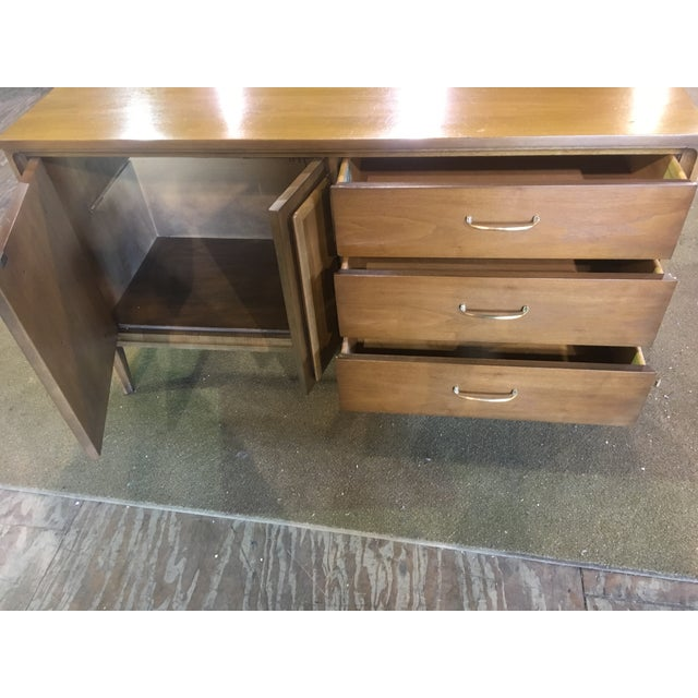 Mid Century Broyhill Premier Credenza Buffet - Image 3 of 10