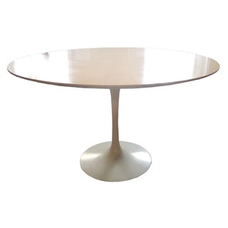 1979 Knoll Saarinen Dining Table
