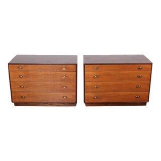 Pair of Nightstands or Bedside Cabinets by Edward Wormley for Dunbar