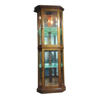 Pulaski Victorian Curio Cabinet Display