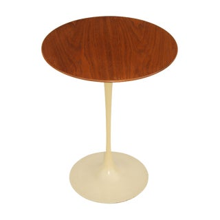 Knoll Saarinen Tulip Walnut End Table