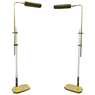 1970S PAIR OF LUCITE AND BRASS FLOOR LAMPS IN THE MANNER OF CEDRIC HARTMAN