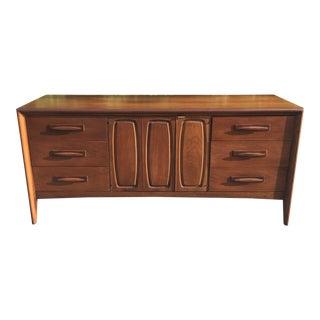Mid-Century Modern Broyhill Dresser