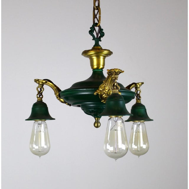 3 Light Pan Fixture in Gold & Green. - Image 6 of 8