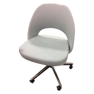 Saarinen Executive Side Chair with Casters