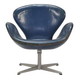 Arne Jacobsen Swan Chair in Original Blue Leather by Fritz Hansen