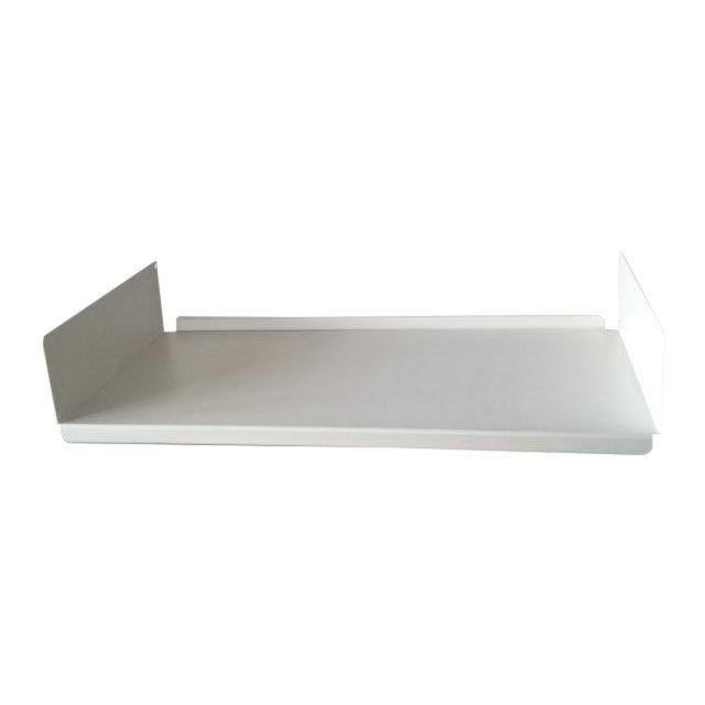 Image of Vitsoe: Off-White Metal Shelves - 2