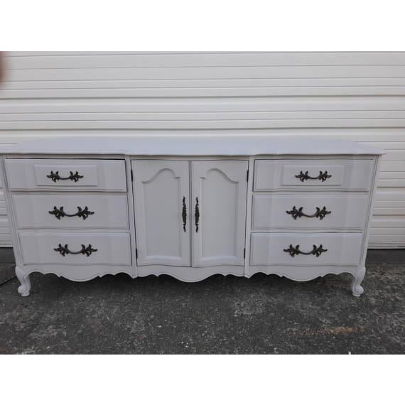 French Provincial Farmhouse Style Gray Lowboy Sideboard - Image 4 of 8
