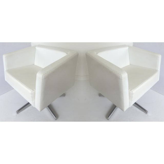 Modernist White Leather Swivel Chairs - A Pair - Image 2 of 10