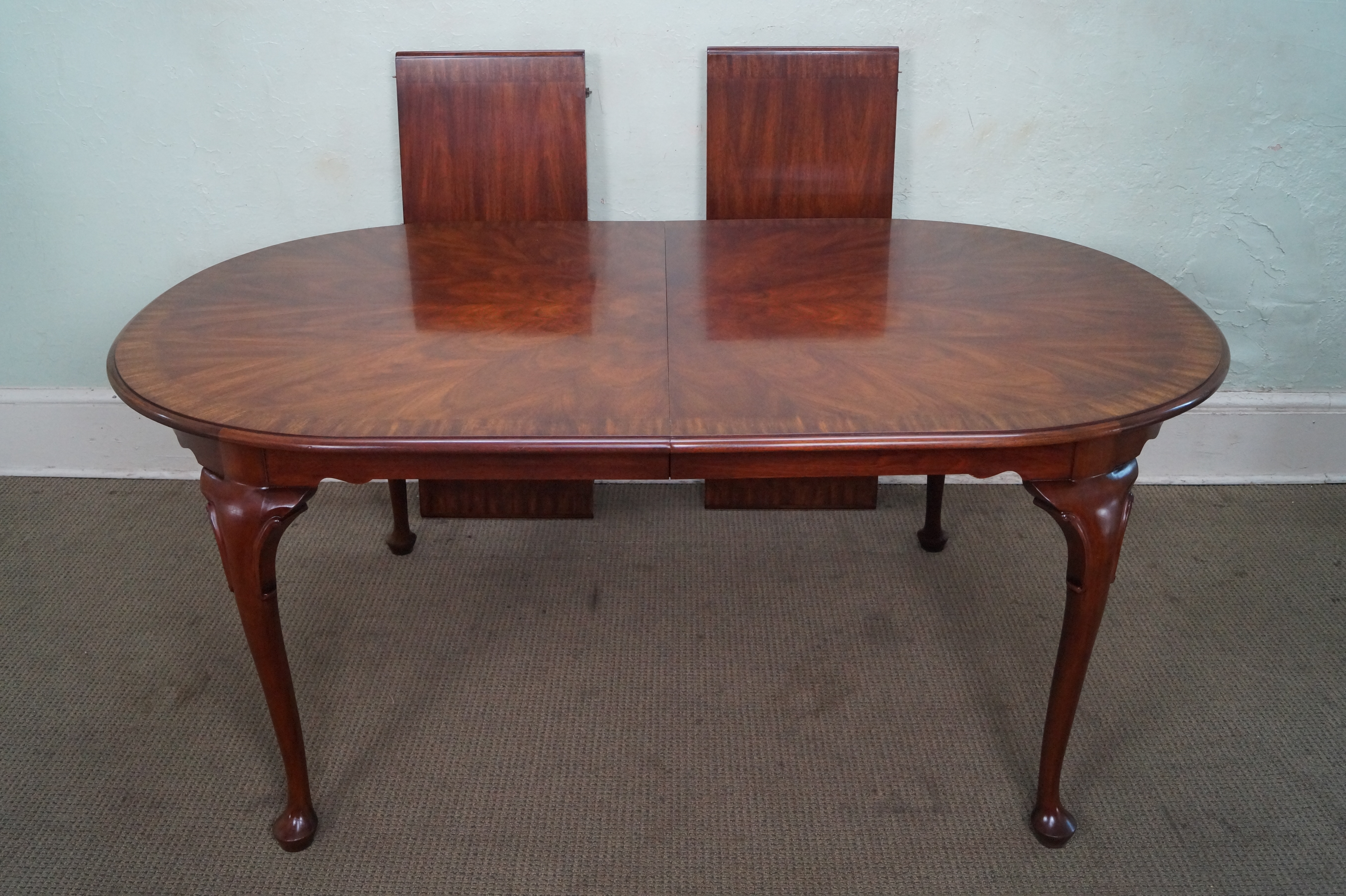 Henkel Harris Flame Mahogany Oval Queen Anne Dining Table   Image 5 Of 10